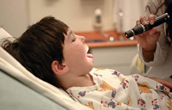 扁桃体检查 操之过急扁桃体一刀切?孩子免疫防线会出大问题! 扁桃体相关问题