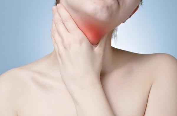 扁桃体疼痛 腭扁桃体总是反复发炎,切除掉更好吗? 扁桃体发炎图片