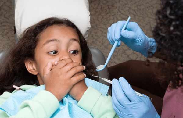 扁桃体调理 孩子有口臭,家长不可忽视,或许是因为扁桃体发炎化脓引起? 扁桃体经验分享