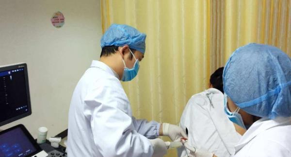 小儿鞘膜积液怎么治疗 小儿鞘膜积液怎么治疗?简单三招! 泌尿系健康栏目